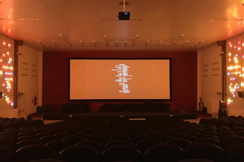 Foto 1 - Cine Com-Tour